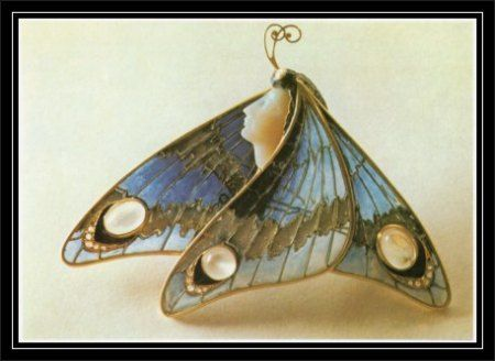 art nouveau: Gold butterfly brooch with enamel and moonstones by Eugene Feuillâtre, ca. 1900