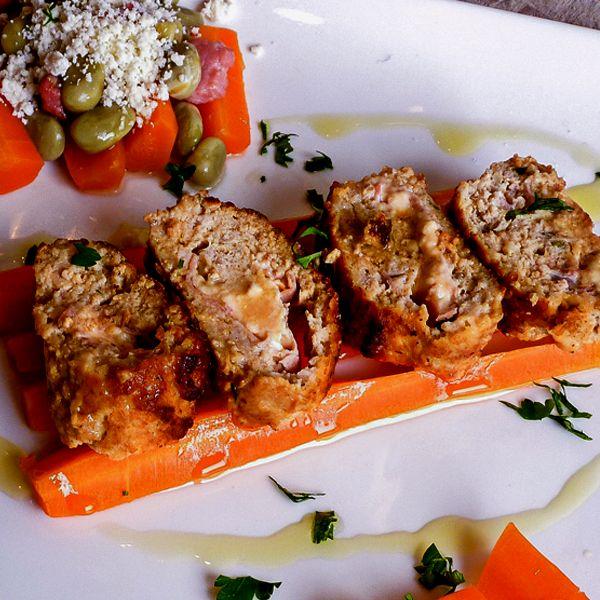Italian Style Meatloaf is tasty, tender, and juicy!  #italianmeatloaf
