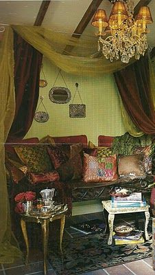 Beautiful room.: Bohemian Decoration, Color, Bohemian Homes, Curtains Idea, Bohemian Living, Bohemian Bedrooms, Gypsy Bedrooms, Fabrics Wall, Bohemian Gypsy