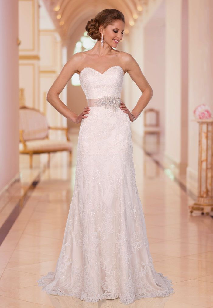 This gorgeous lace wedding dress with Diamante beading strapless sweetheart neckline is just perfect for a romantic wedding. Ribbon sash with diamante beading optional. Fabric: Lace