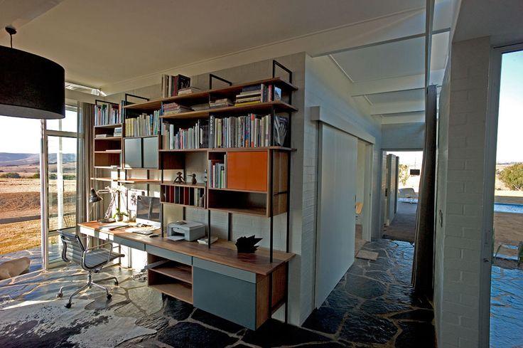 Study Designed by Lorinda Kuun and built by Koop Design Photo by Gavin Rooke