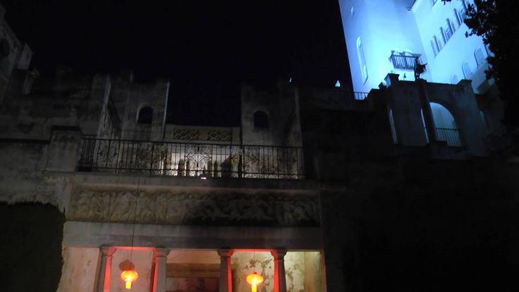 """El pasado 8 de septiembre en el Patio de Venus del carmen de la #Fundación, disfrutamos del VII recital """"La poesía y la luna"""". Esta actividad de la universidad de #Granada, se celebra en nuestras instalaciones desde hace 5 años.  Compartimos con vosotros el vídeo resumen de esa noche ¡Esperamos que os guste!  Más información en: http://bit.ly/1E7ELQI y  https://www.youtube.com/watch?v=U-r-9rWXZWk"""