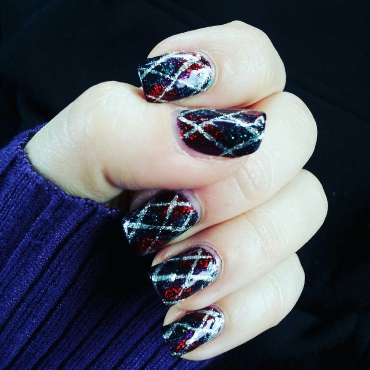 Fall argyle nails using Simply Nailogical's Holosphere