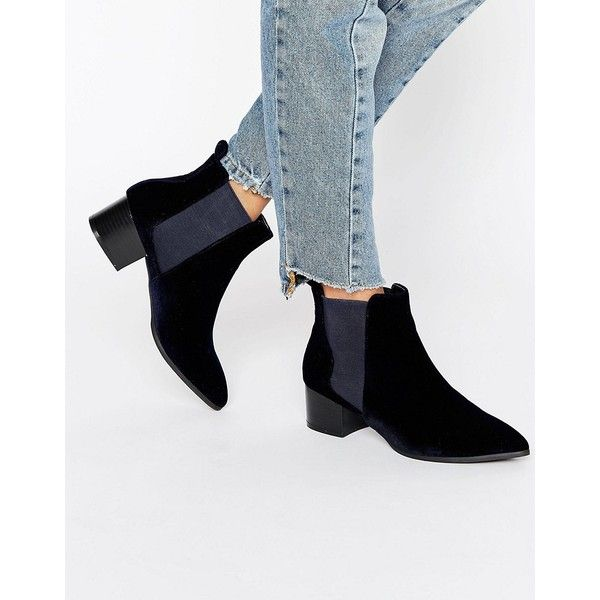 Missguided Velvet Pointed Ankle Boots ($60) ❤ liked on Polyvore featuring shoes, boots, ankle booties, navy, pointed toe bootie, pointed toe boots, pointy-toe boots, pointy-toe ankle boots and bootie boots