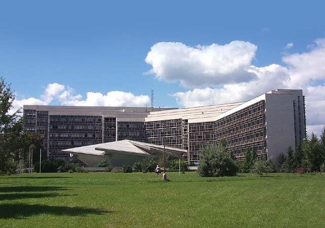 TU-ZV Technická Univerzita Zvolen, tu som strávil celý svoj produktívny vek, výukou čalúnnictva.