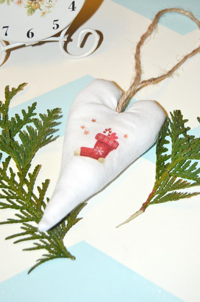 Decoupage on fabric: Christmas heart; decoration