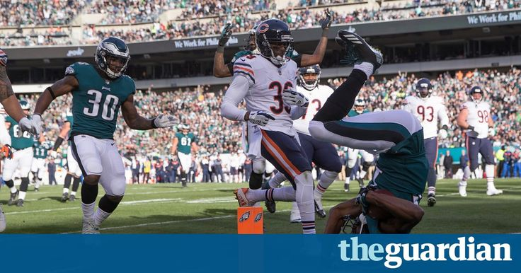 NFL Week 12: Philadelphia Eagles record ninth straight win – video highlights    The Philadelphia Eagles became the first NFL team this season to reach 10 wins with a 31-3 victory over the Chicago Bears on Sunday. It is the third time since the NFL-AFL merger in 1966 that the Eagl   https://www.theguardian.com/sport/video/2017/nov/27/nfl-week-12-philadelphia-eagles-ninth-straight-win-new-england-patriots-pittsburgh-steelers-video-highlights
