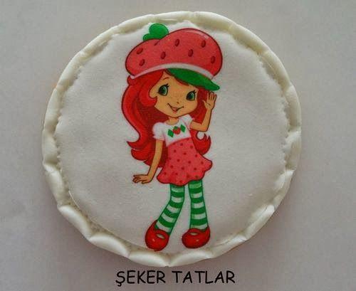 Çilek Kız Doğum Günü Kurabiyeleri (Strawberry Shortcake)