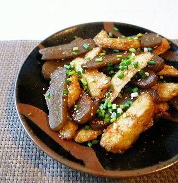 自分で作れるんだ!お魚たっぷり、フワフワの自家製さつま揚げレシピ ... さつま揚げとこんにゃくを甘辛く炒めた一品です。あともう一品欲しいときなど