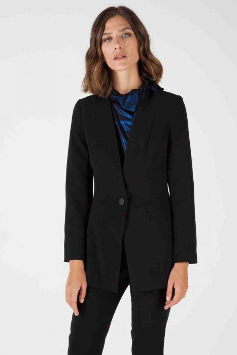 Straight lapel blazer