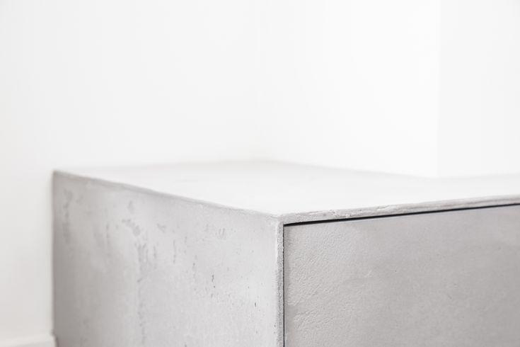 Natuurlijk is alles netjes afgewerkt! Super strak toch? Vraag de naar verschillende opties! interieur - industrial - industrieel interieurinspiratie - interieurstyling -interieuradvies - homeliving architecture - interiordesigner - interiordeco - design - eiken -  woonkamer - beton look - diy - beton -meubels - meubelontwerp - openhaard