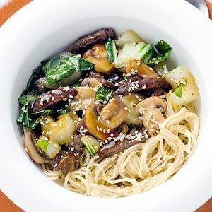 Japanse rundvleesreepjes met eiermie - http://www.volrecepten.nl/r/japanse-rundvleesreepjes-met-eiermie-434831.html