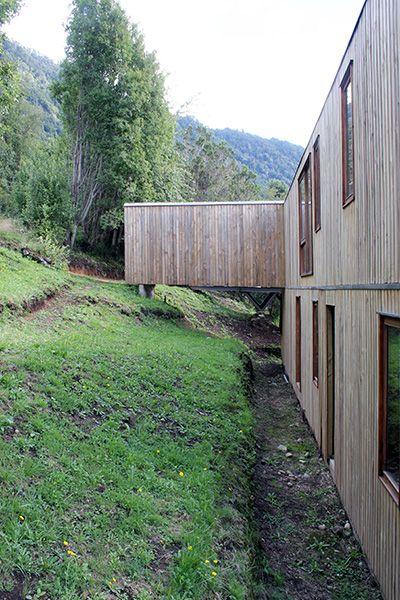 Skevt med utsikt av Duval+Vives – http://www.tidningentra.se/notiser/hus-i-skeva-vinklar #arkitektur i #trä