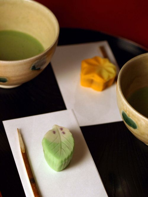 Japanese sweets (wagashi) and matcha tea 抹茶と和菓子 So miss this delicate treat!