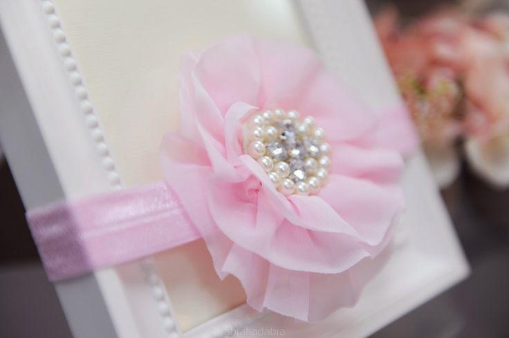 Opaska różowa z dużym kwiatkiem - Ubranka na chrzest - Abrakadabra Sklep
