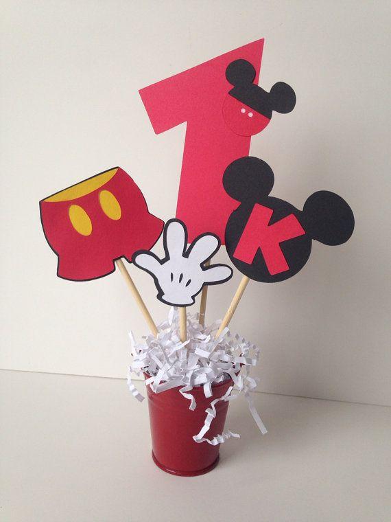 Mickey Mouse birthday party decoration por AlishaKayDesigns en Etsy