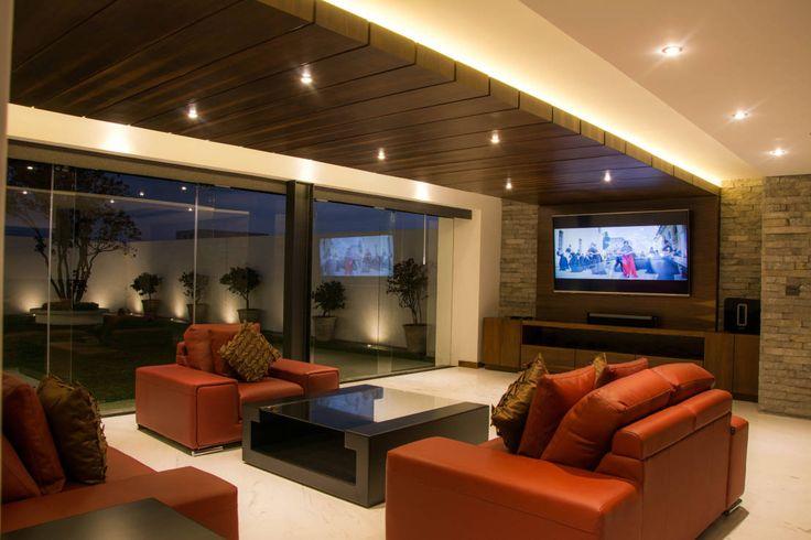 Techos modernos 10 dise os de plafones espectaculares for Disenos de salas de casas
