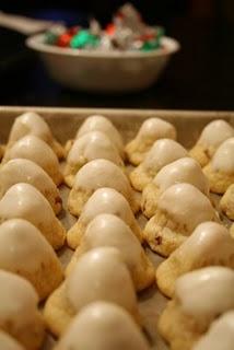 hershey kiss wrapped cookiesCookies Dough, Lynn Cookies, Kisses Wraps, Signature Treats, Hershey Kisses, Loretta Lynn, Cookies Jars, Sugar Bees, Bees Crafts