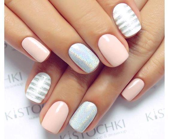Arte en uñas. Colores pasteles y suaves.