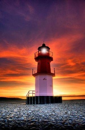 Faro de puesta del sol -Isla de Man