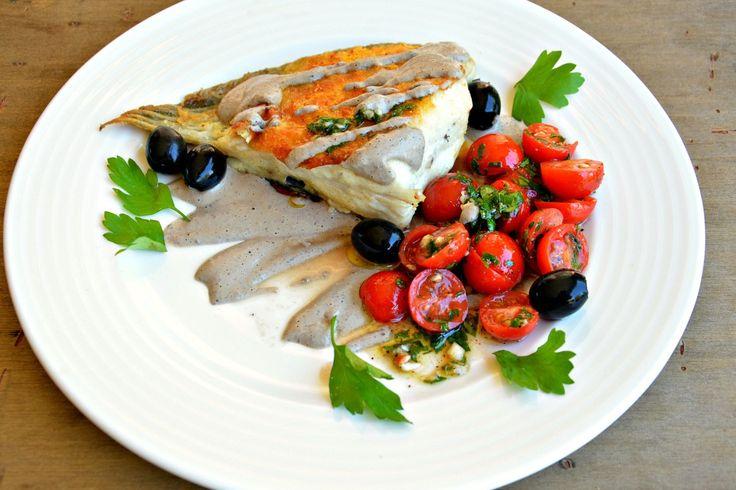 Удивительно вкусный соус получается из двух простых ингредиентов, очень рекомендую его приготовить именно к рыбе. Рыба может быть приготовлена по разному---жареная, запеченная, отварная...не имеет значения. А для соуса нужно поместить горстку черных оливок без косточек и пару чайных ложек майонеза,…