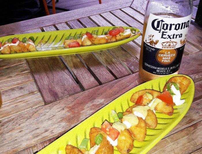 skin potatoes im mexikanischen restaurant la quesadilla hamburg