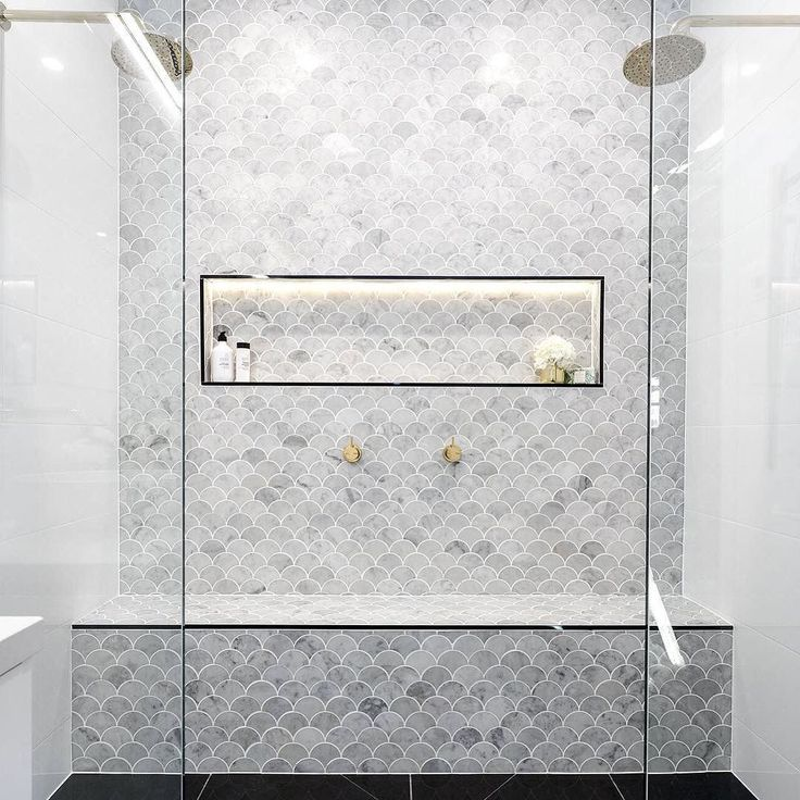 Can we all just take a moment to admire @juliaandsasha's tile choice?! Bathroom goals forever and ever. #theblockshop #9theblock #bathroom