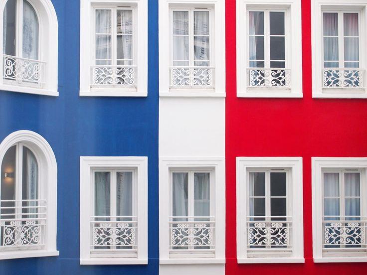 Hotel+34B,+dormir+en+Bleu-Blanc-Rouge