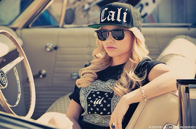 She ok when she's not laughing xD jk love Chanel West Coast!