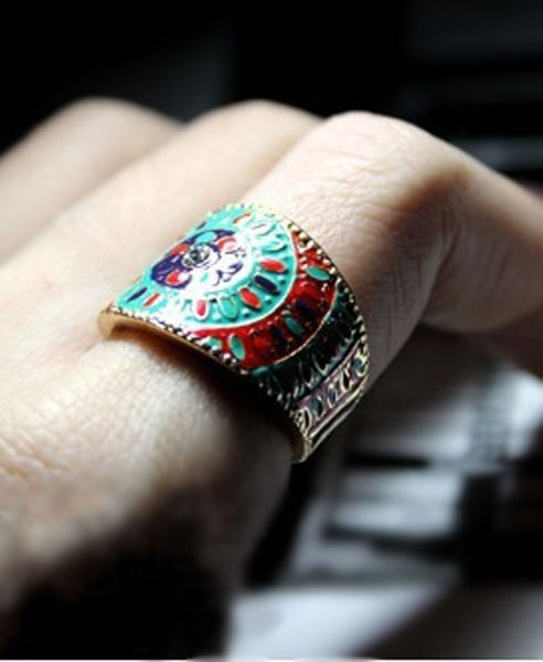 Golden Ethnic Pattern Ring
