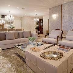 Clássico ao Luxo: Salas de estar translation missing: br.style.salas-de-estar.clássico por Mariane e Marilda Baptista - Arquitetura & Interiores