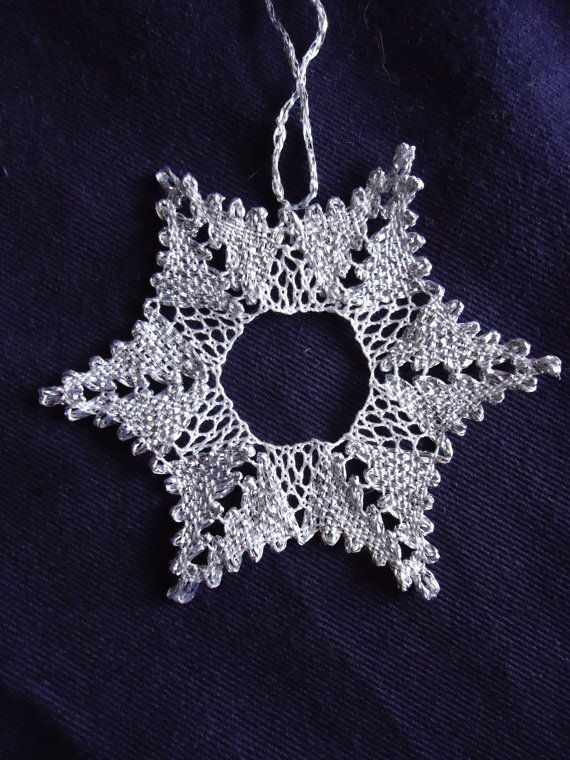 Bobbin lace Christmas snowflake star decoration with glitter thread star points: