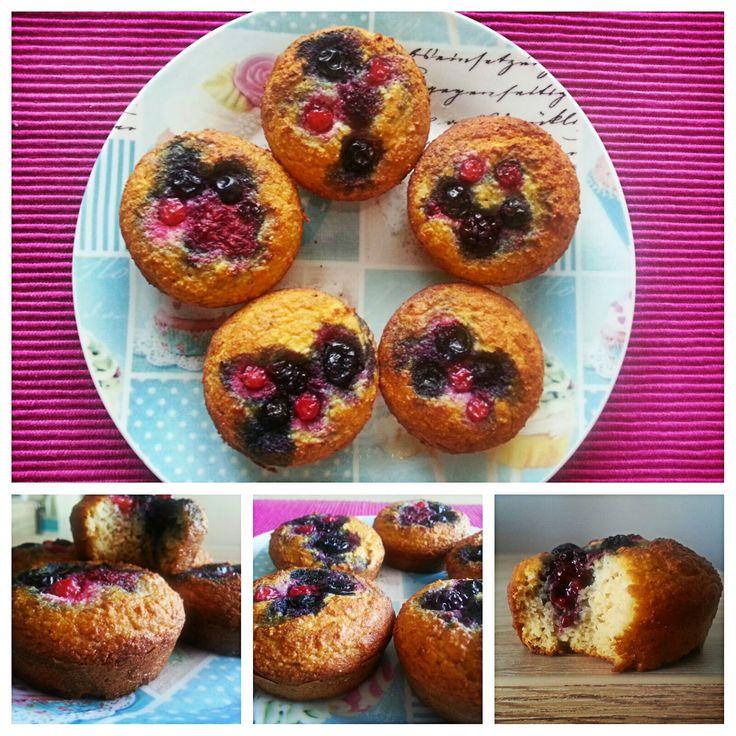 Konyhamesék: Habkönnyű gyümölcsös muffin (cukor- és gluténmentes)