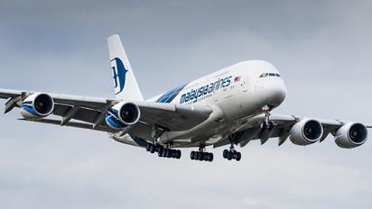 9M-MNA - Malaysia Airlines Airbus A380 photo (174 views)