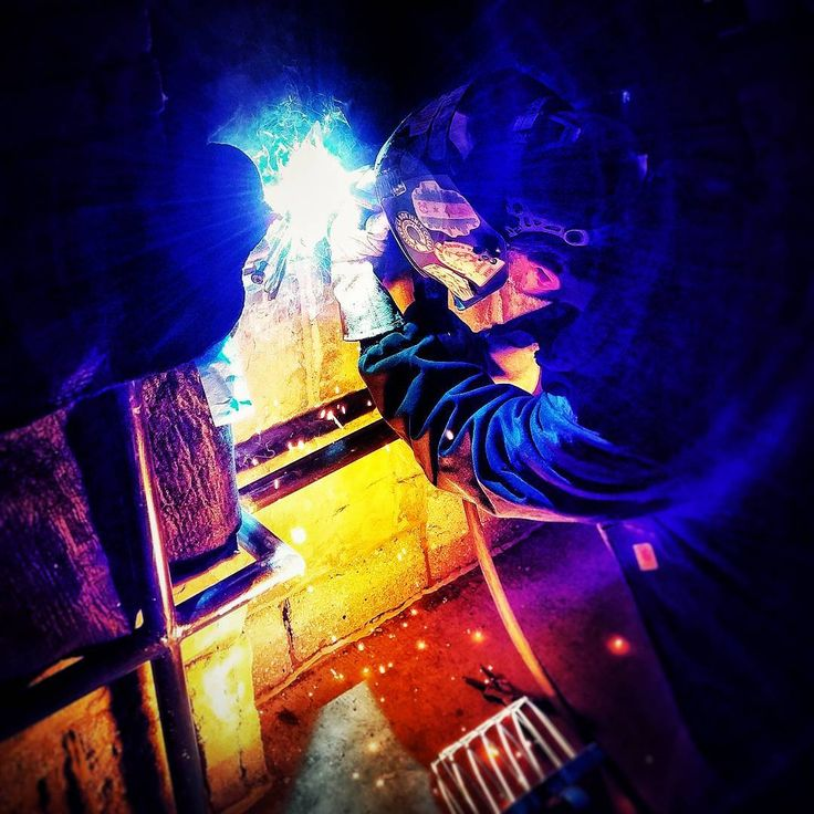 Welders don't make excuses. it's never too cold outside or too late at night we get shit done! #weldlife #welding #migwelding #bluecollar #dnpwelding #bluecollarlife #hardwork #nightshift #pointonepercenter #weldersdoitbetter