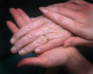 DSCF2108_Young_and_Elderly_hands