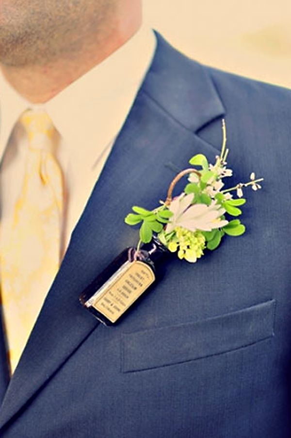 love this boutonniere #wedding I would do this but have the bottle be a mini of there fav alcohol!
