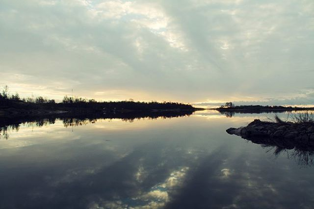#discoverarchipelago #archipelago #aland #finland #sea #nature #natur #landscape #evening #spring #outdoors #uteliv #igers #igtravel #reflection  #hiking #canoe #sunset #adventure