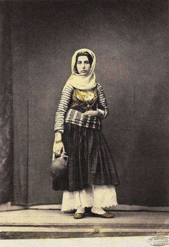 Γυναίκα με φορεσιά Σαλαμίνας και στάμνα Μαργαρίτης Φίλιππος [Αθήνα], π. 1851 - 1853. Αρχειακές Συλλογές  www.nationalgallery.gr
