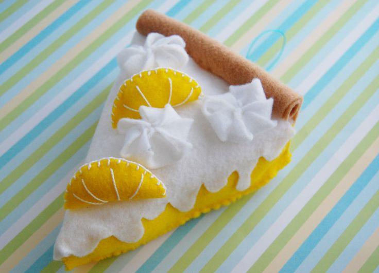 pastel de limón de fieltro fieltro adorno por Sweetdeesignz en Etsy, $6,00