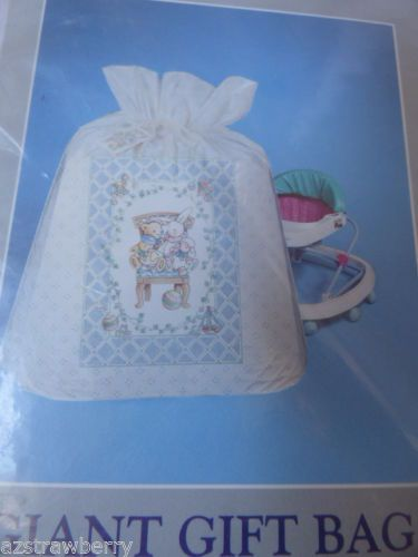 CREATIVE-PAPERS-C-R-GIBSON-GIANT-PLASTIC-GIFT-BAG-TIE-ROPE-TAG-NEW-35-5x44