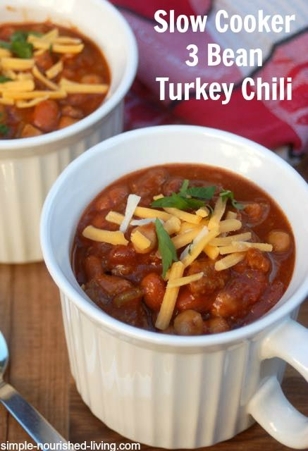 Slow cooker 3 bean turkey chili, a super simple basic chili recipe the whole family loved, 213 calories, 5 #WeightWatchers Points Plus. http://simple-nourished-living.com/2014/12/slow-cooker-3-bean-turkey-chili-recipe/