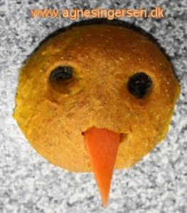 kyllingeboller fra min blog: http://agnesingersen.dk/blog/kyllingeboller/