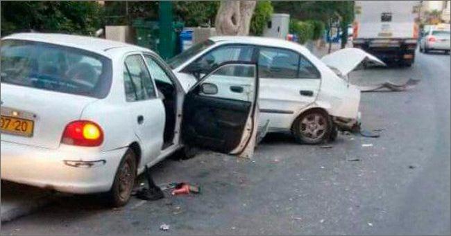 Несложно догадаться что за рулем одной из столкнувшихся машин была одинокая девушка