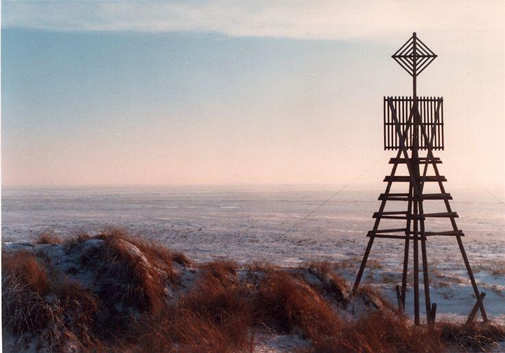 Het baken op het Willemsduin op Schiermonnikoog. Nog even doorwandelen en je staat op het meest oostelijke punt van het eiland: de balg.