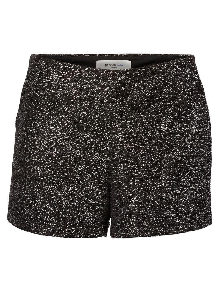 Glitter shorts from VERO MODA. #glitter #party #veromoda #fashion