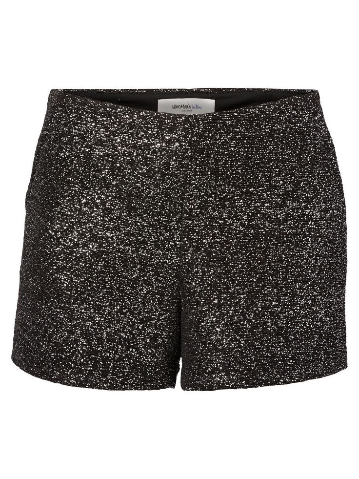 Glitter shorts from VERO MODA. #glitter #party #veromoda #fashion
