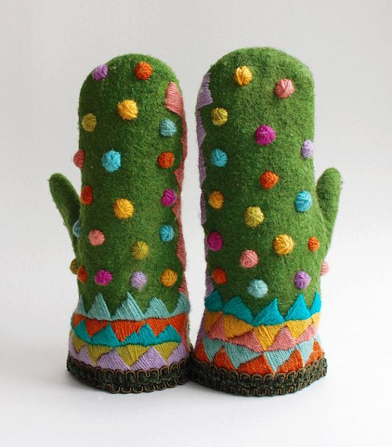festive #handmade embroidered wool mittens