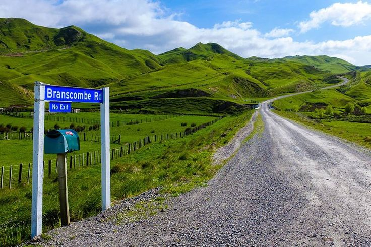 Shire that way --> #nz #newzealand #northisland #island #green #sky #hills #pure #farm #fresh #wilderness #nature #landscape #beautiful #backpacking #happy #love #trip #adventure #travelling #nofilter #photografy #naturelovers #love #wanderlust #instatravel #instagood #instadaily #lonelyplanet #worldtravelpics