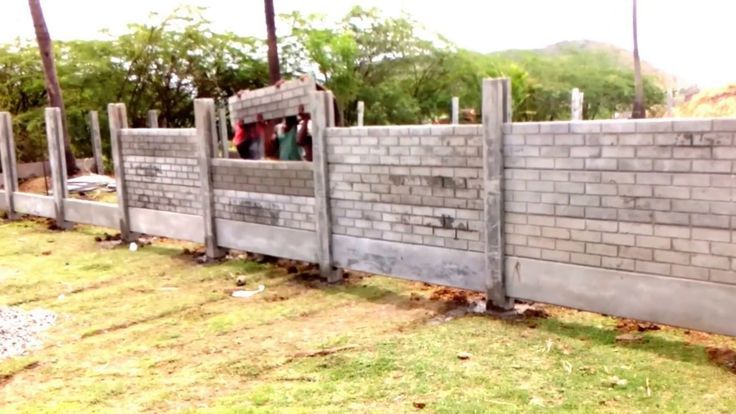 Brick pattern garden fence using concrete gravel boards –  #boards #Brick #concr…